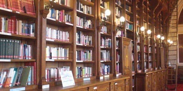 Bibliothèques à Lacapelle-Marival